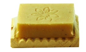 صابون شستشو روزرین مدل زردچوبه و چای سبز وزن 70 گرم به همراه جاصابونی